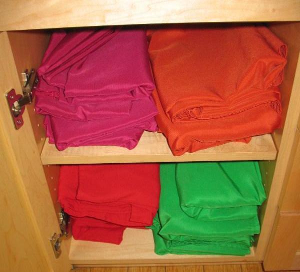 folded table cloths