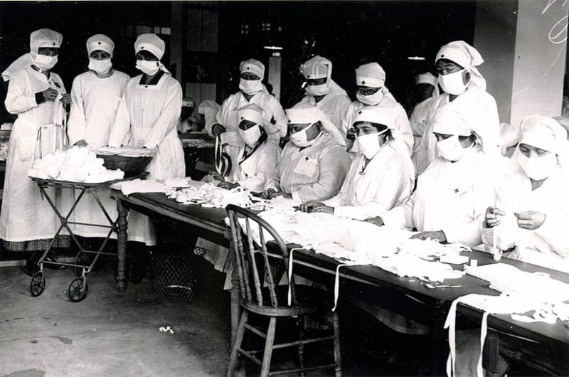 Nurses preparing to battle influenza in 1918