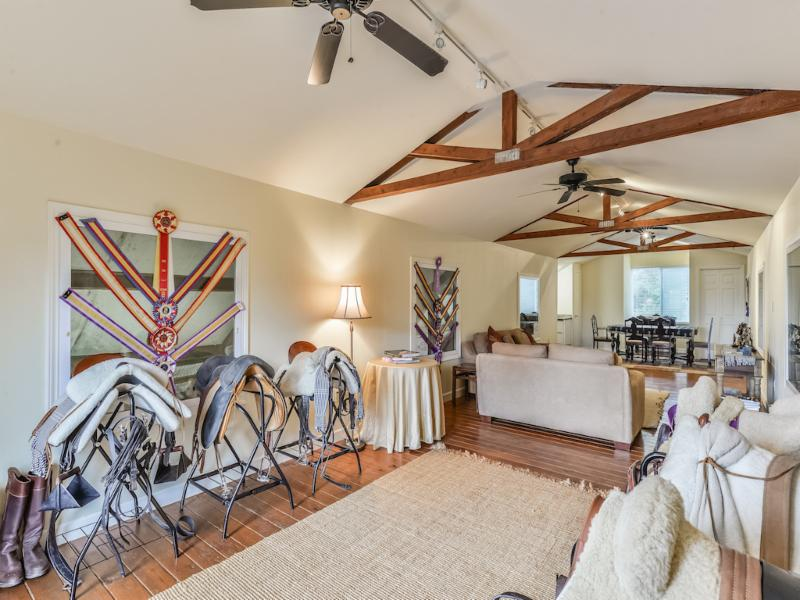 UNRESTRICTED 80 Acre Equestrian Ranch