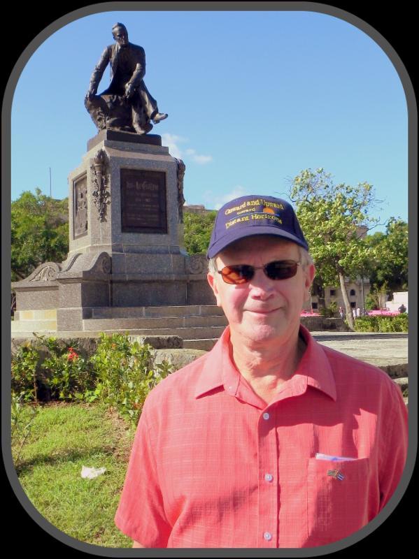 Doug Madigan in Cuba on our Havana Reader Rendezvous [Dec.2017]