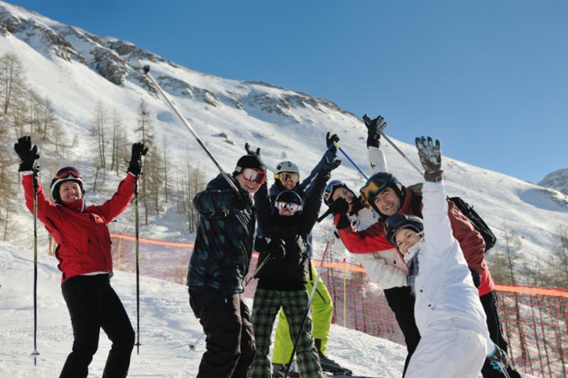 skiing_fun_on_mountain.jpg