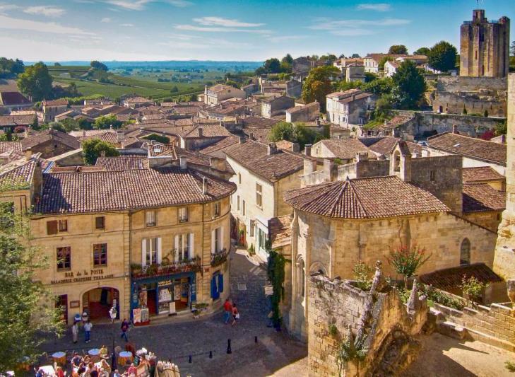 St Emilion - Bordeaux - Photo by Michael Klauber