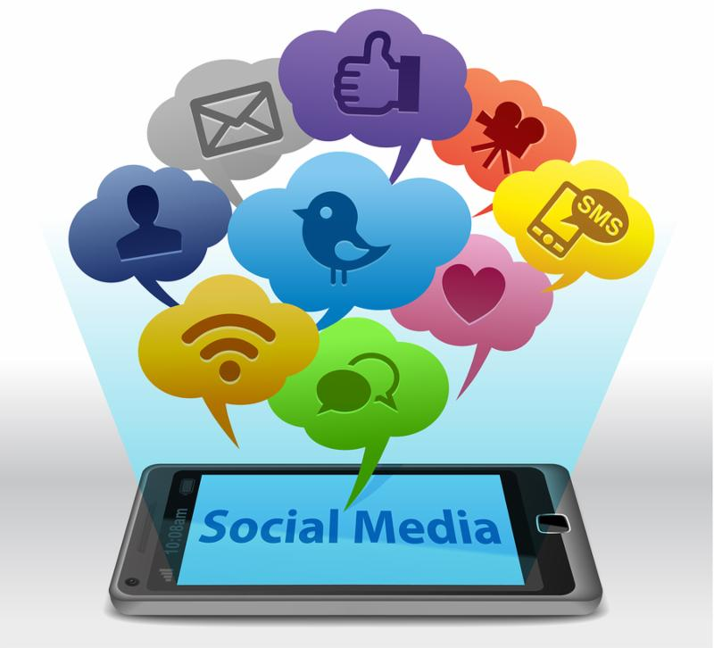 Social media concept with speech bubbles on smartphone
