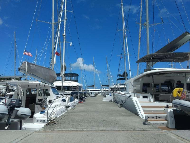 Catamaran Charter BVI