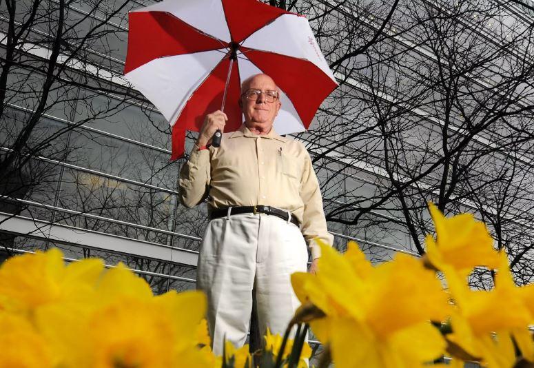David Hoadley w/ umbrella