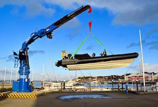 Hydraulic crane at Shepards Wharf