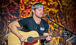 Front and Center, Kip Moore
