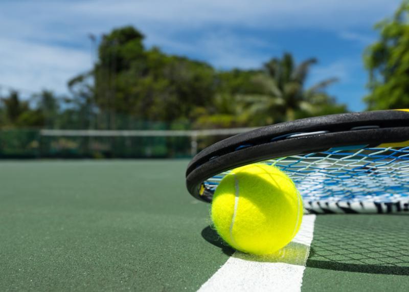 closeup_tennis_racket.jpg