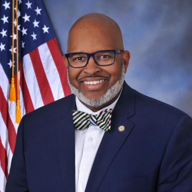 Photo of City Manager Feacher