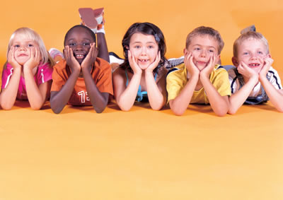 children on elbows