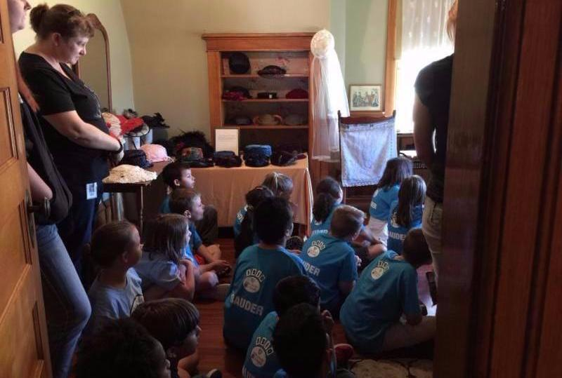 2nd graders tour the Avery House as part of local-history curriculum