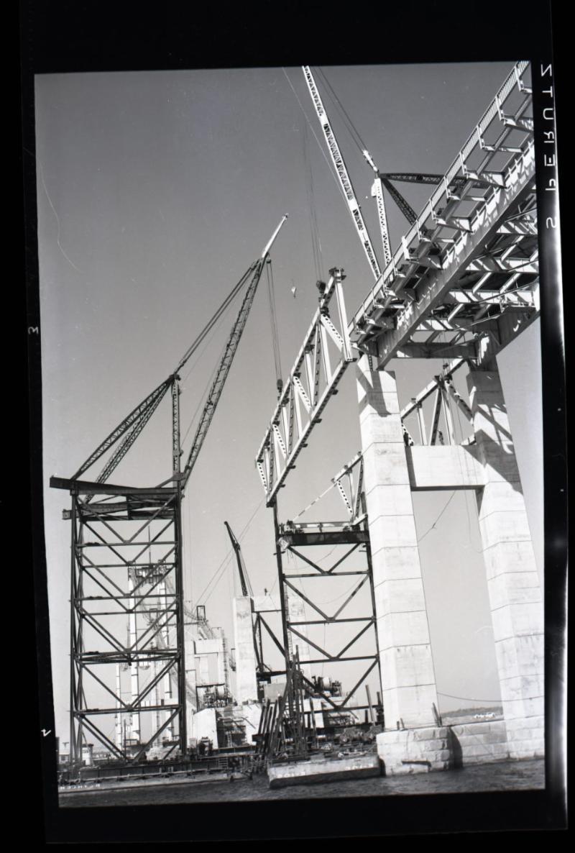 Newport Bridge construction