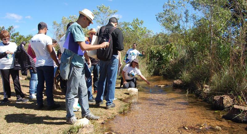Participants in Brazil Train-the-Trainer workshop collecting water samples.
