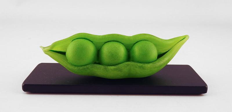 Reclining Pea Pod by Jen Violette