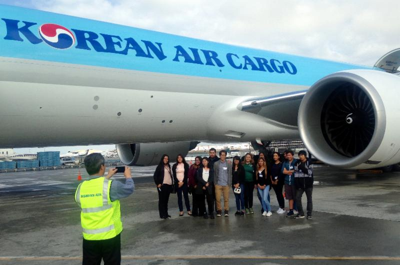 ITEP students from Gardena HS visit Korean Air