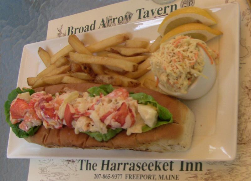 jumbo lobster roll