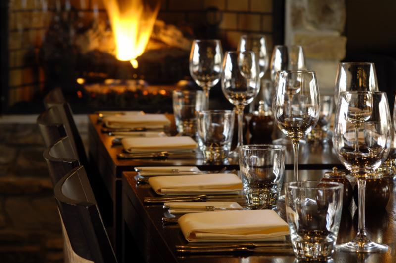 restaurant_wine_glasses.jpg