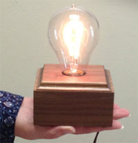 award looks like a lightbulb