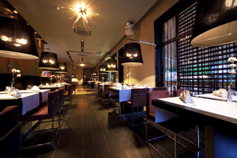 restaurant_tables_hall.jpg