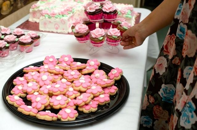 mini daisy cookie tray
