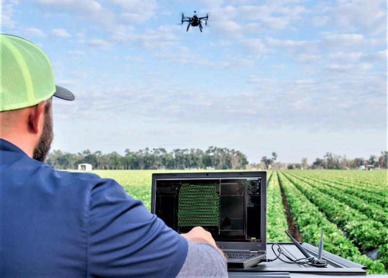 farmer_ field_ drone_ floridafoodandfarm.com