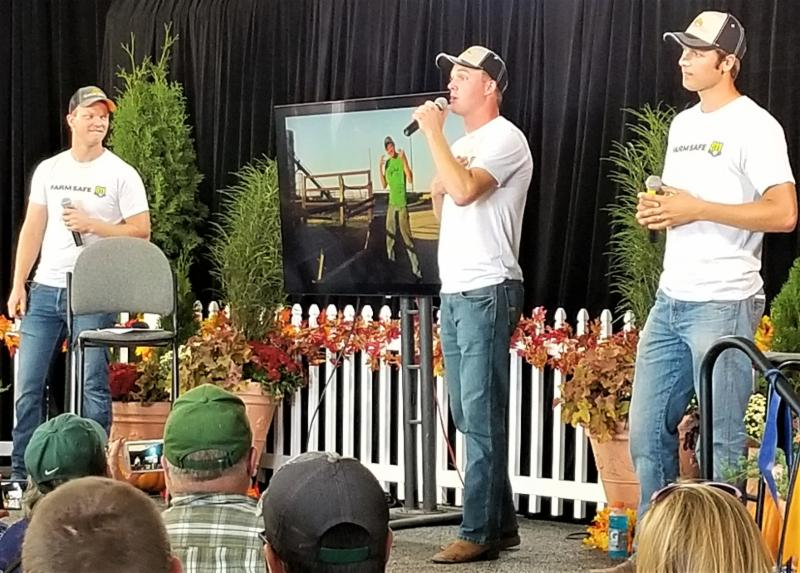 petersons at farm show_ melissasly
