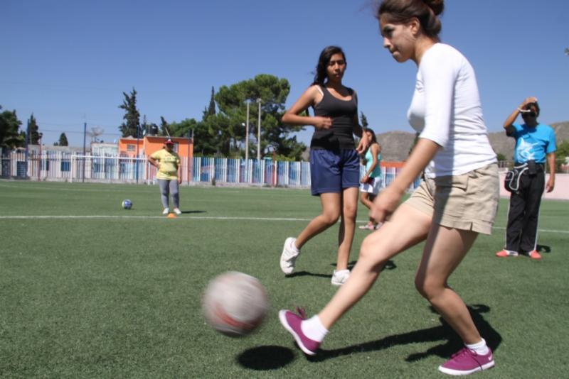 Invita IMM a torneos de futbol y voleibol femenil