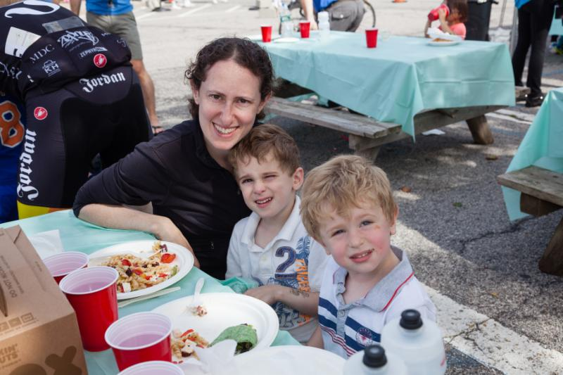 Wall Street Rides FAR - Zena Tamler and kids