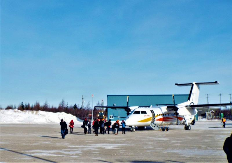 Oakville youth arriving in Attawapiskat