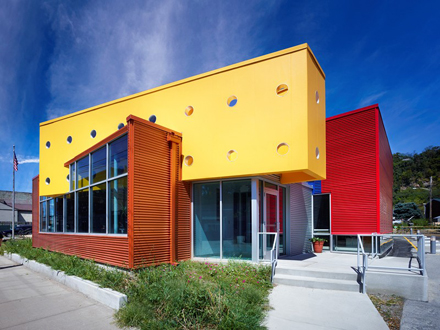 Petersen-Sharpsburg-Library