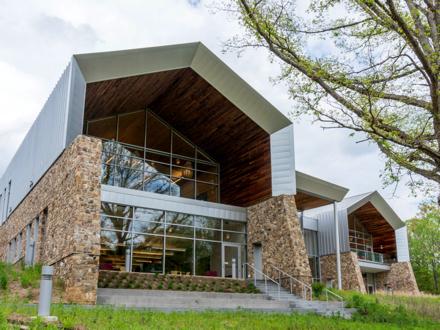Morin-Varina-Library