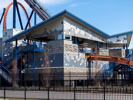 valravn-roller-coaster-station.jpg