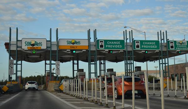 SunPass tollbooth