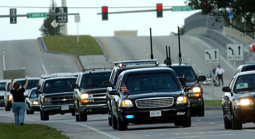 secret service motocade