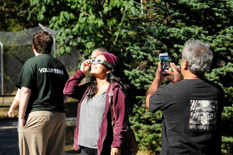 Eclipse viewing in the sanctuary