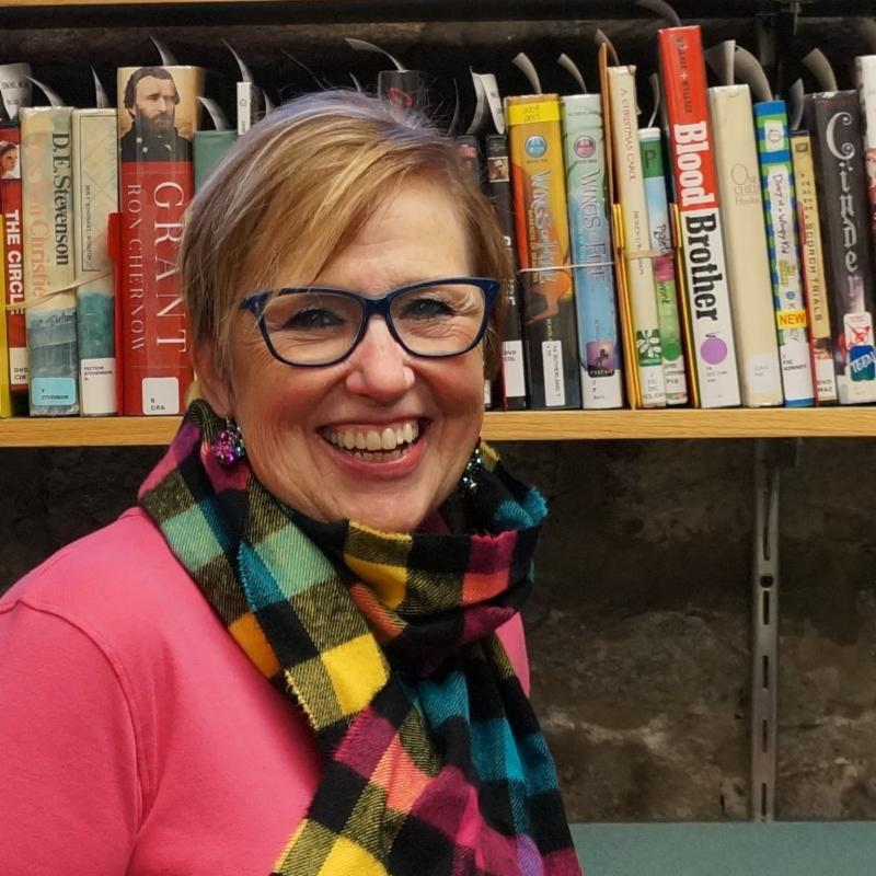 Sandy Whipple, Head of Adult Services & Outreach, retires