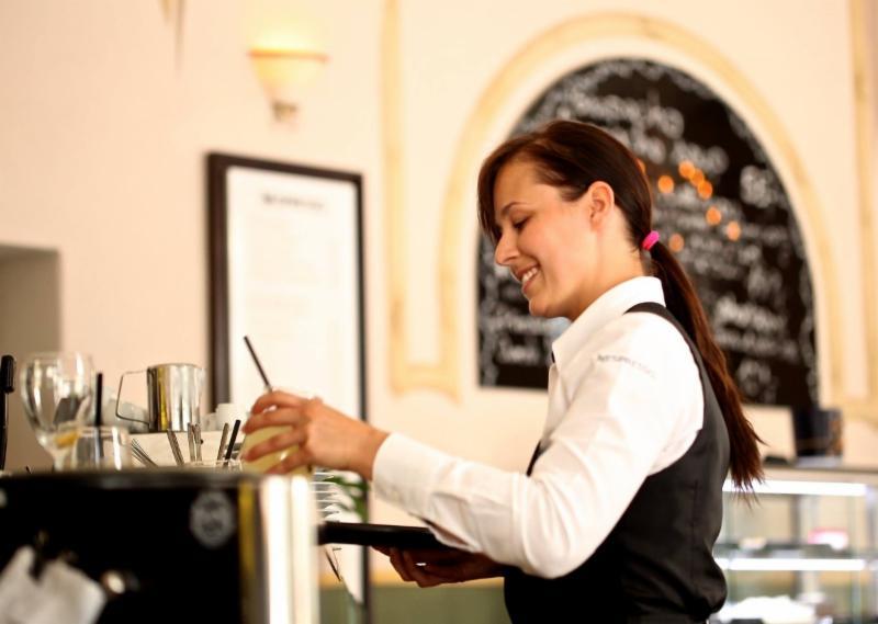 Dienster in restaurant