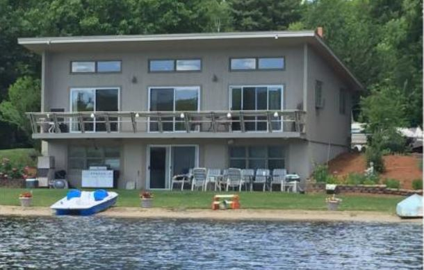Lakefront Homes With Private Beaches From The Lake Guy