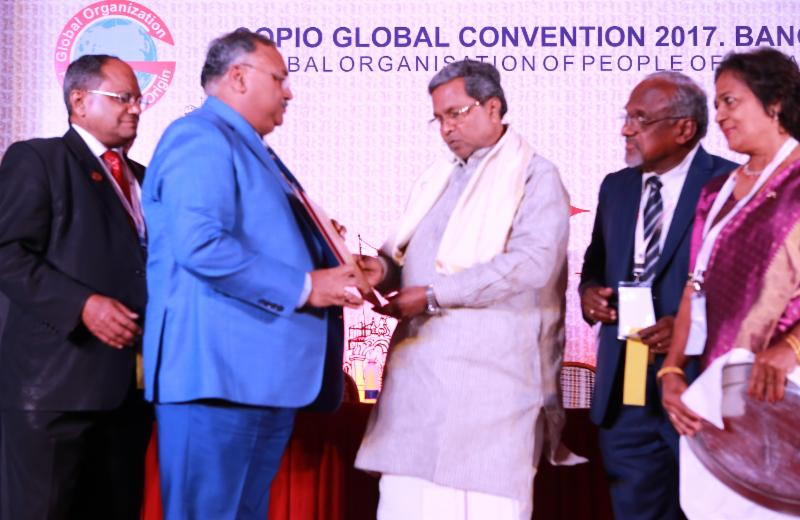 GOPIO Convention - DGP Om Prakash is presented Pravasi Mitra Award