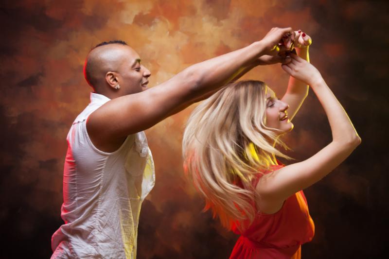 young_couple_dancing.jpg