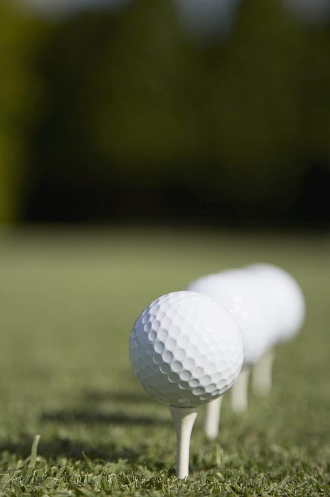 golf_balls_lined.jpg