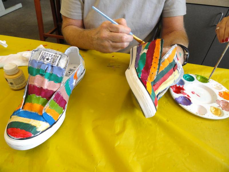 Paint your sneakers