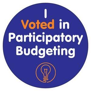 Sticker with the words %22I voted in participatory budgeting%22