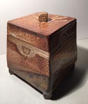 Ceramic box by Lineke Zuiderweg
