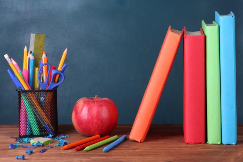 school_supplies_desk.jpg