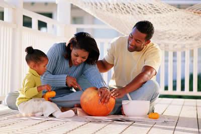 family-carving-pumpkin.jpg