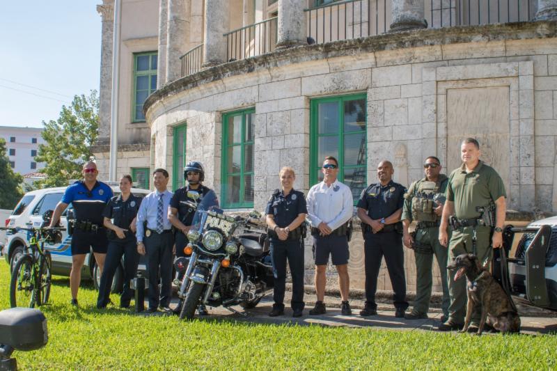 grupo de policias