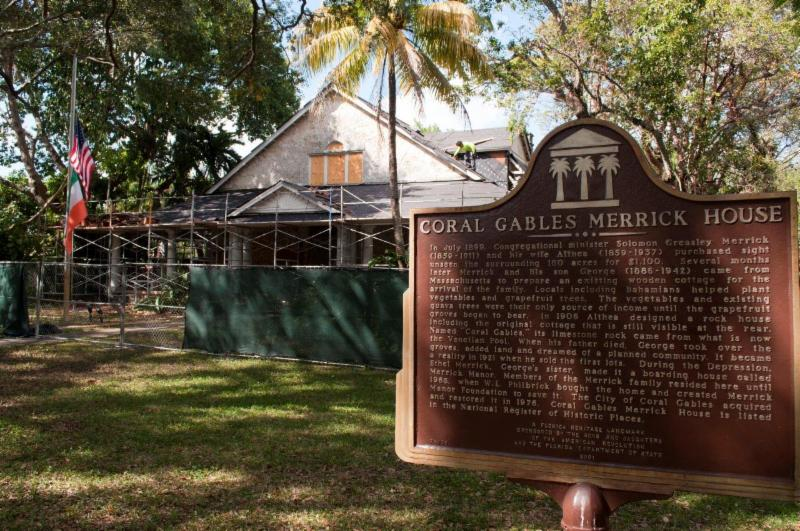 Casa Merrick renovando