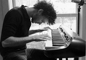 Photo of pianist Ben Cosgrove