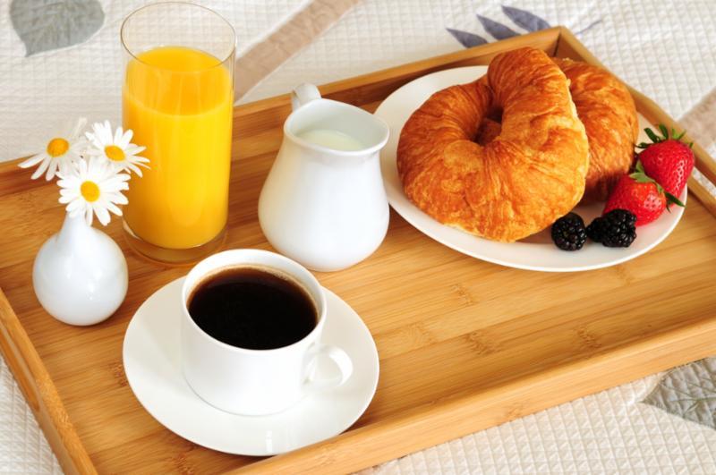 breakfast_bed.jpg